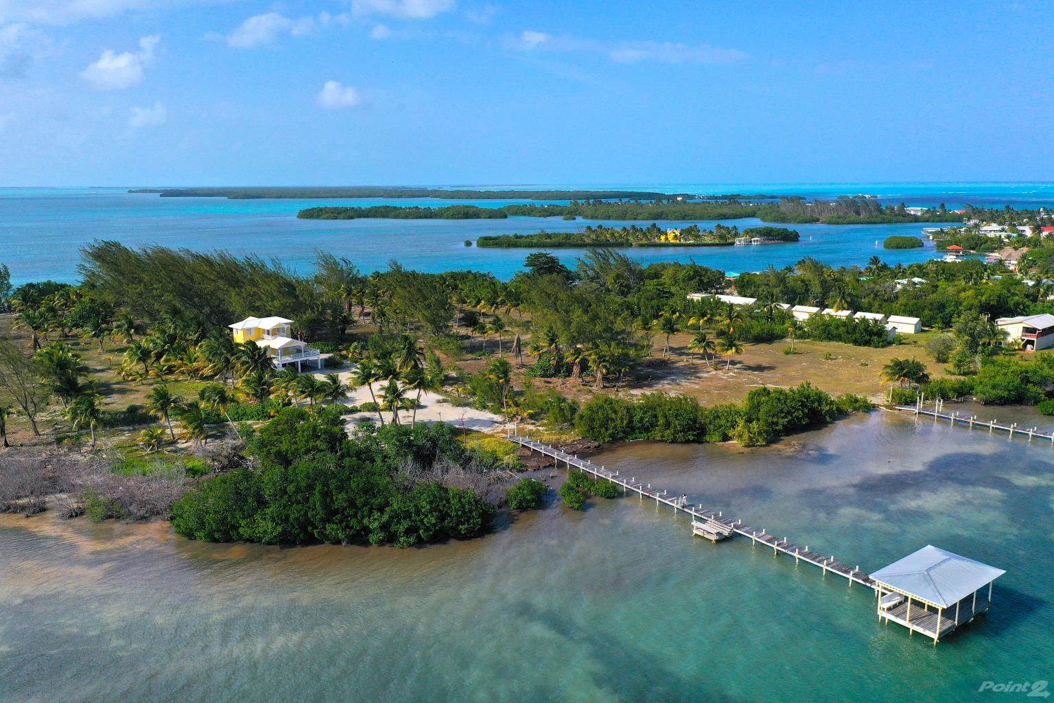Residenziale in Beautiful 4-Bed Beach Home, St. George's Caye, Cayes, Belize   , Belize