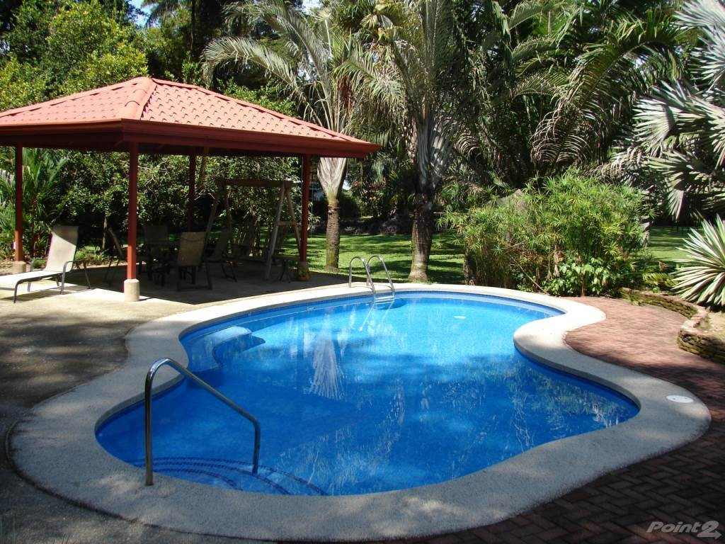 Residenziale in Property With The Best Commercial Location Left In All Of Playa Dominical, Dominical, Puntarenas   , Costa Rica