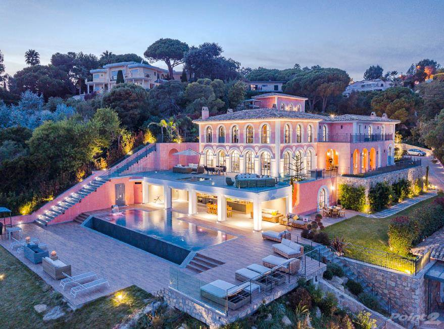 Residenziale in MEGA MAJESTIC MANSION CANNES FRANCE, Cannes, Provence-Alpes-Cote d'Azur ,06029  , Francia