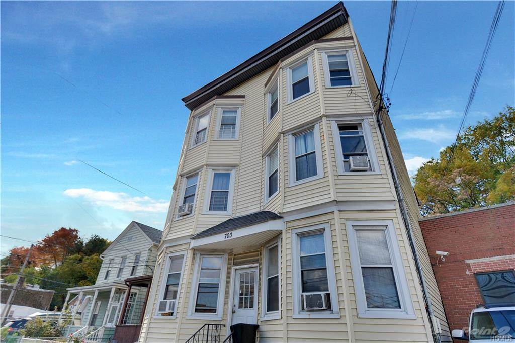 Acquisto commerciale in 703 NEPPERHAN AVE, Yonkers, NY ,10703
