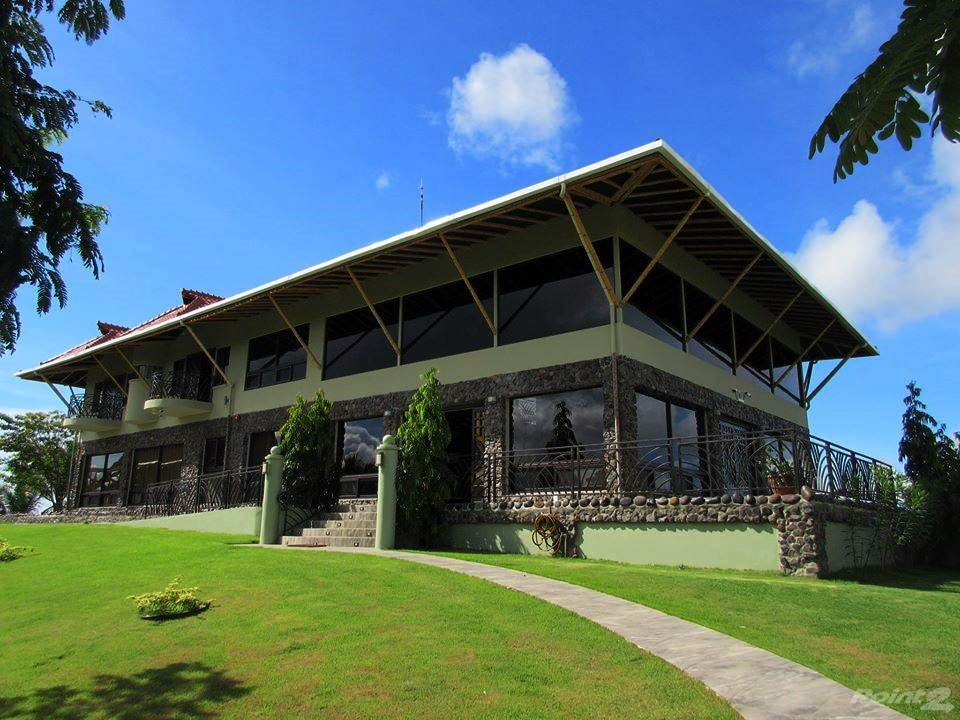 Residenziale in Estate with Superior Residence or Hotel on 50 Hectares with Landing Strip, Chiriqui, Chiriquí   , Panama