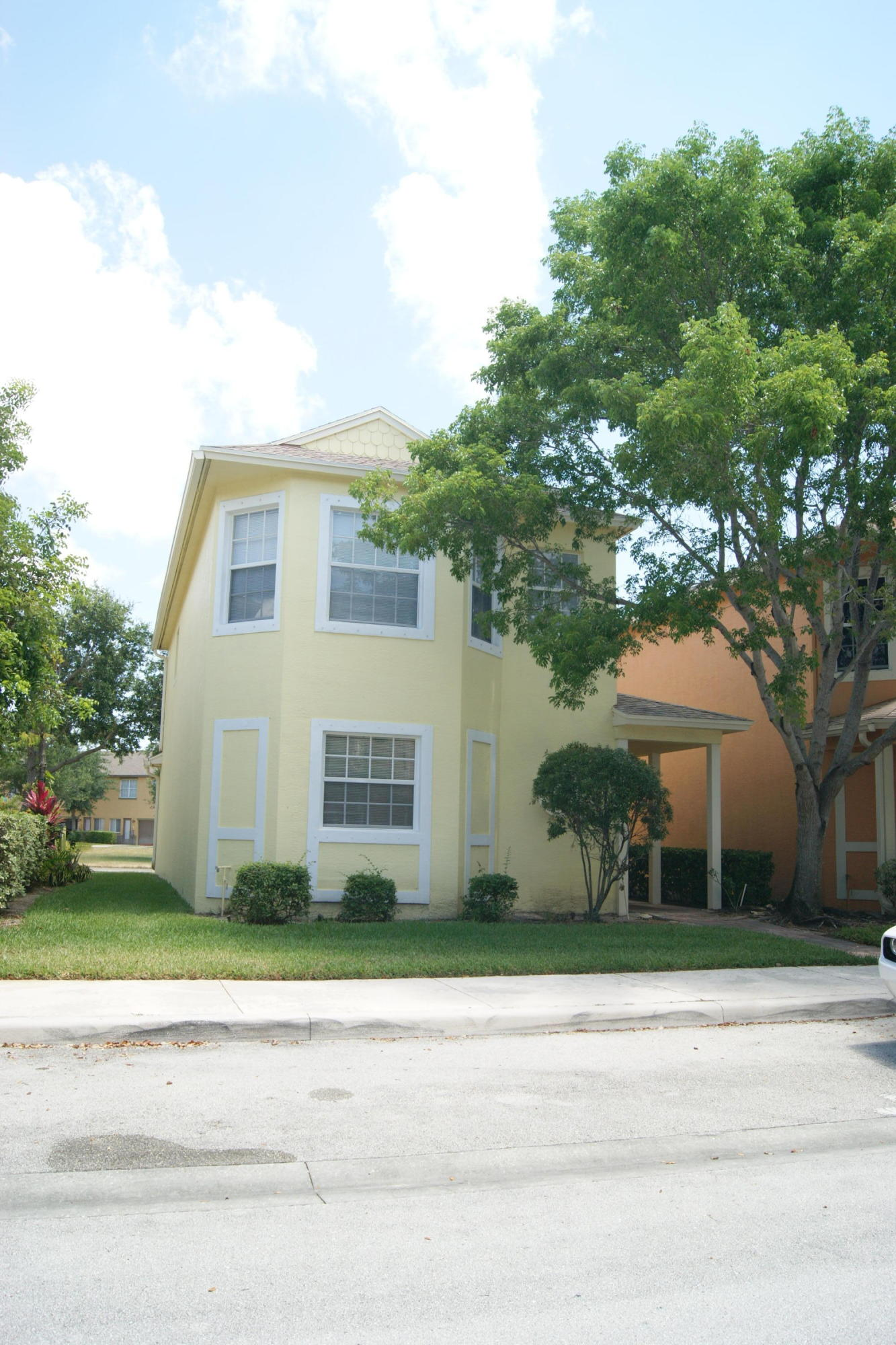 Residenza monofamiliare In affitto in 2073 SE Fern Park Drive, Port Saint Lucie, Florida ,34952