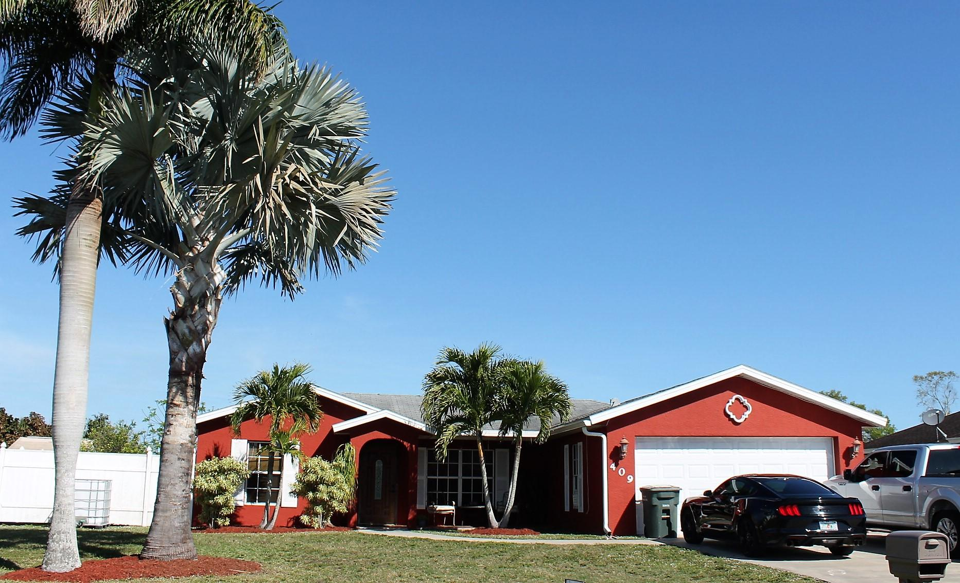 Residenza monofamiliare in vendita in 409 W Sugarland Circle, Clewiston, Florida ,33440