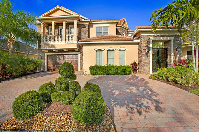 Residenza monofamiliare in vendita in 8541 Butler Greenwood Drive, Royal Palm Beach, Florida ,33411