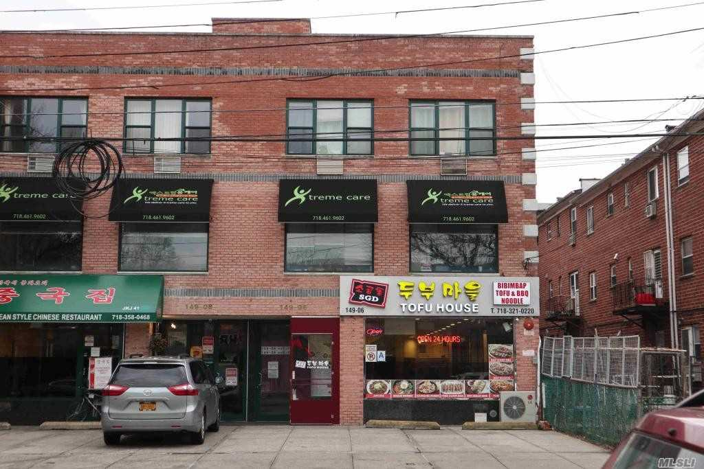 Acquisto commerciale in 149-06 41 Ave, Flushing, NY ,11355