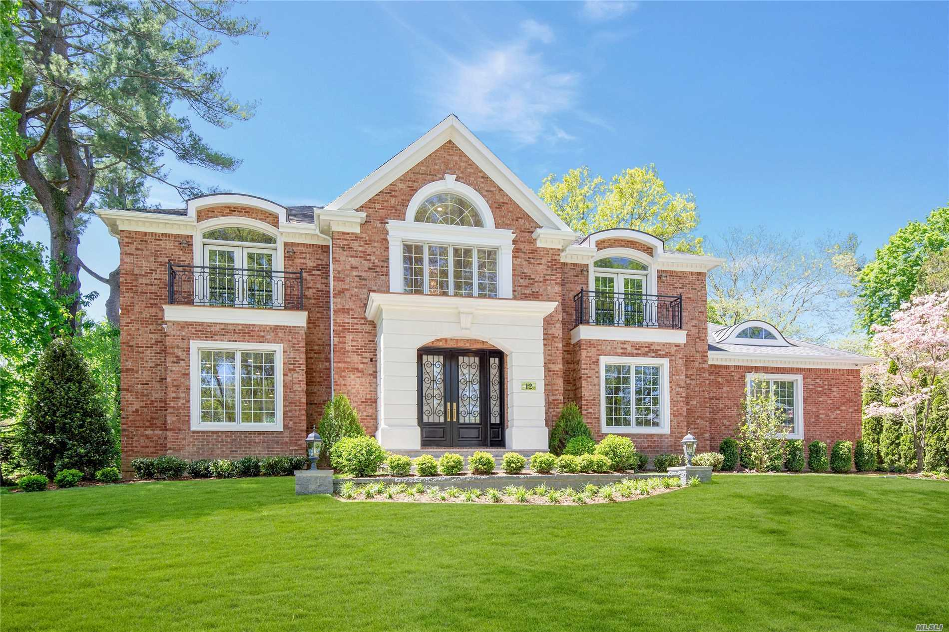 Residenziale in 12 Sycamore Ln, Roslyn Heights, NY ,11577