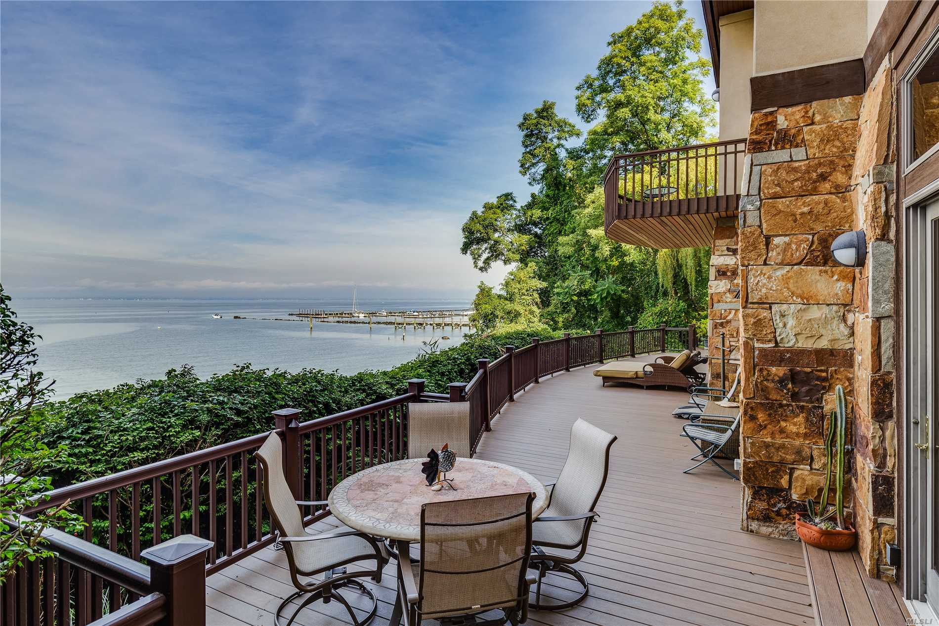 Residenziale in 35 Sunview Dr, Glen Cove, NY ,11542