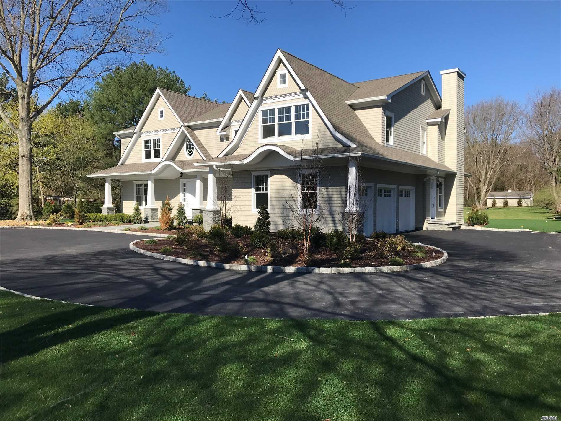 Residenziale in 459 Cold Spring Rd, Laurel Hollow, NY ,11791