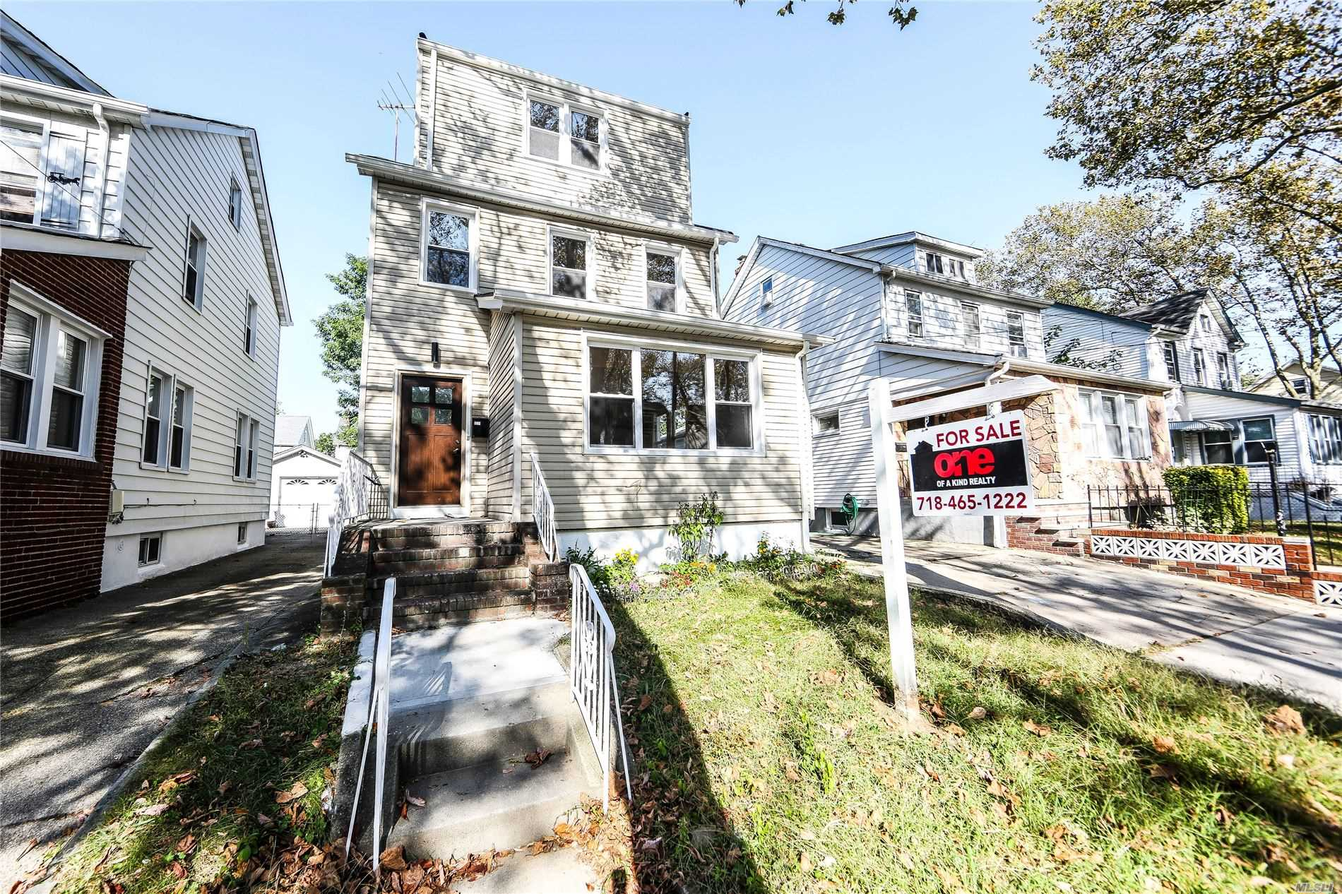 Residenziale in 240-27 Newhall Ave, Rosedale, NY ,11422