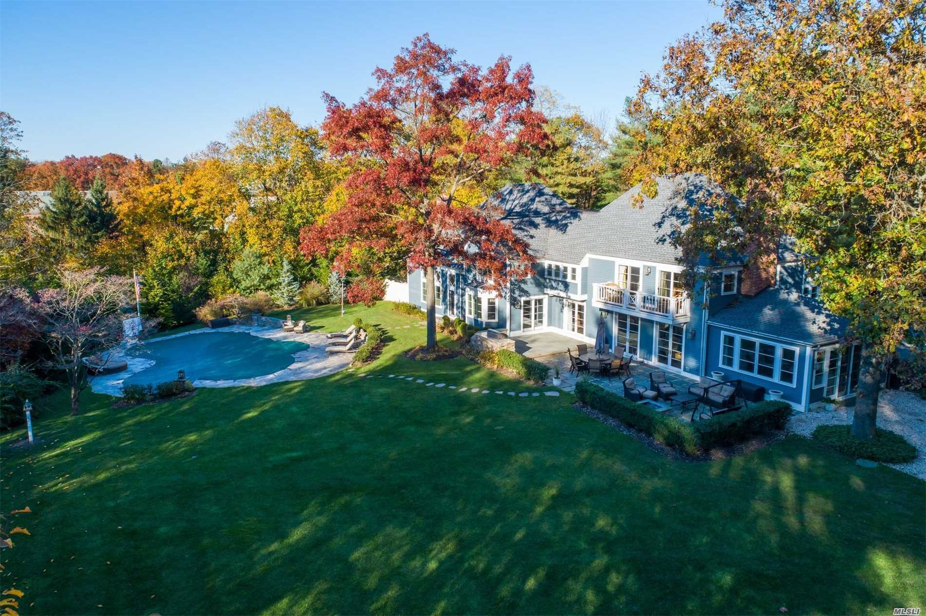 Residenziale in 12 Cherrywood Rd, Locust Valley, NY ,11560