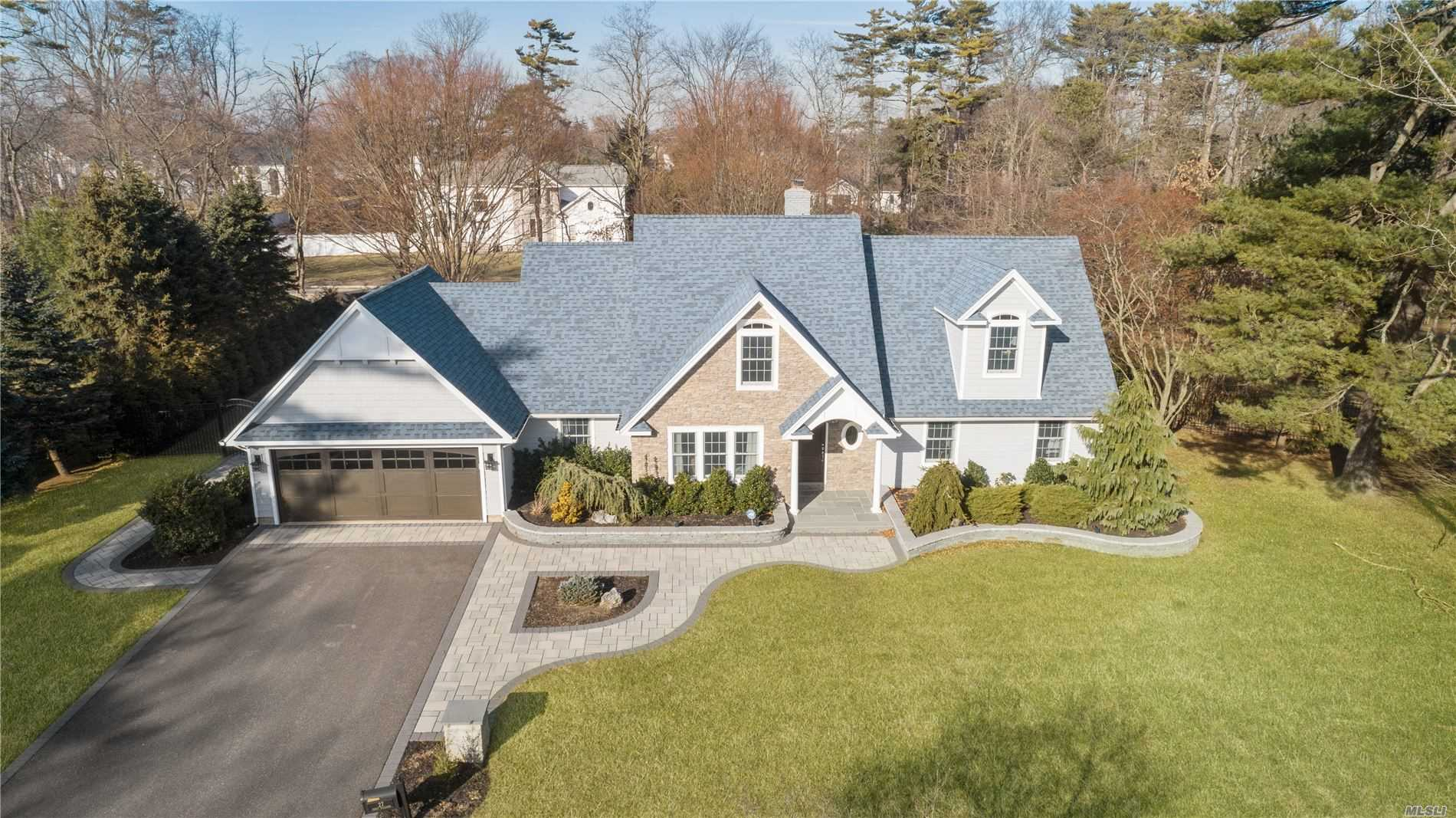 Residenziale in 27 Percy Williams Dr, East Islip, NY ,11730
