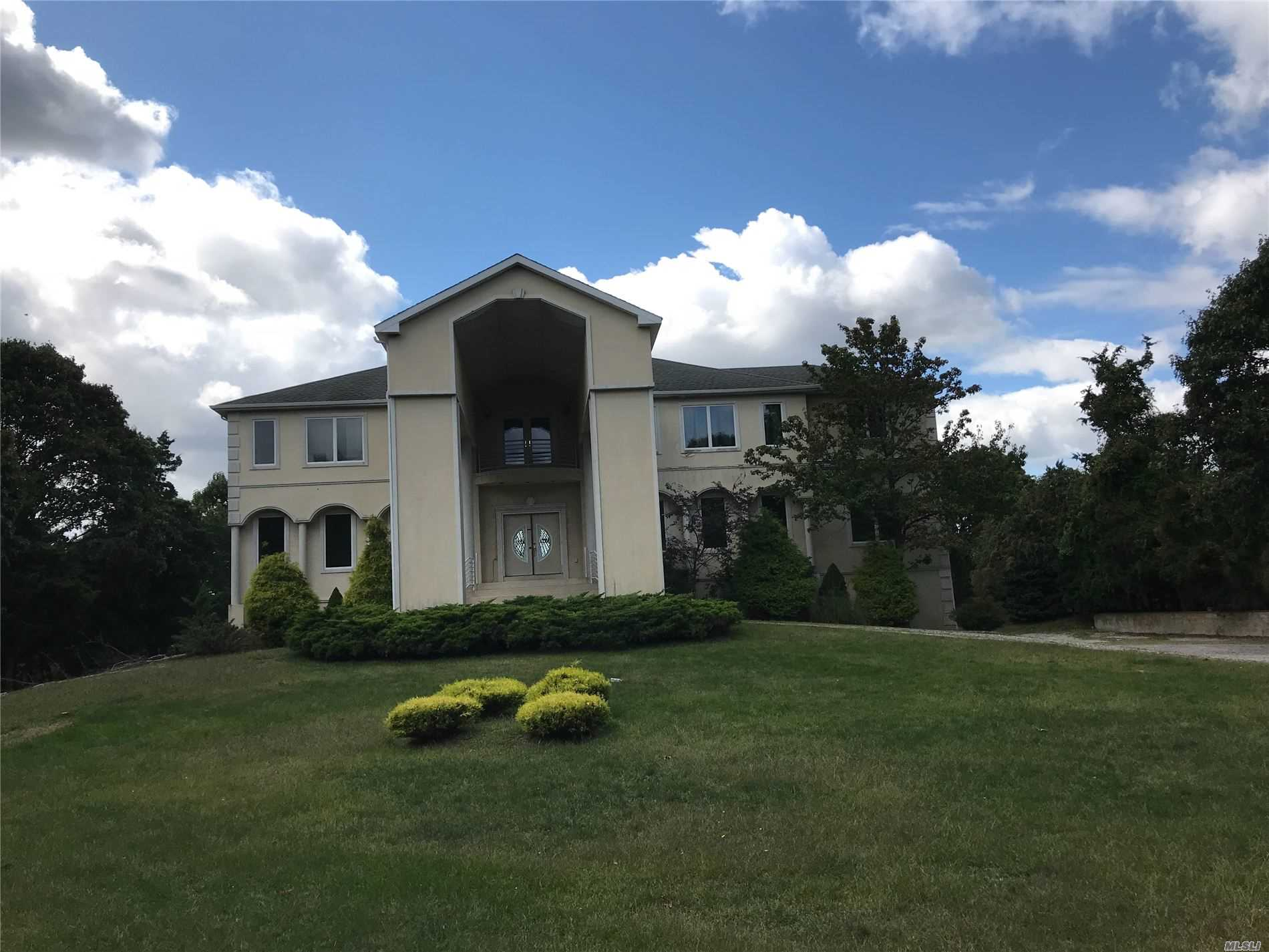 Residenziale in 24 Old Neck Rd, Center Moriches, NY ,11934