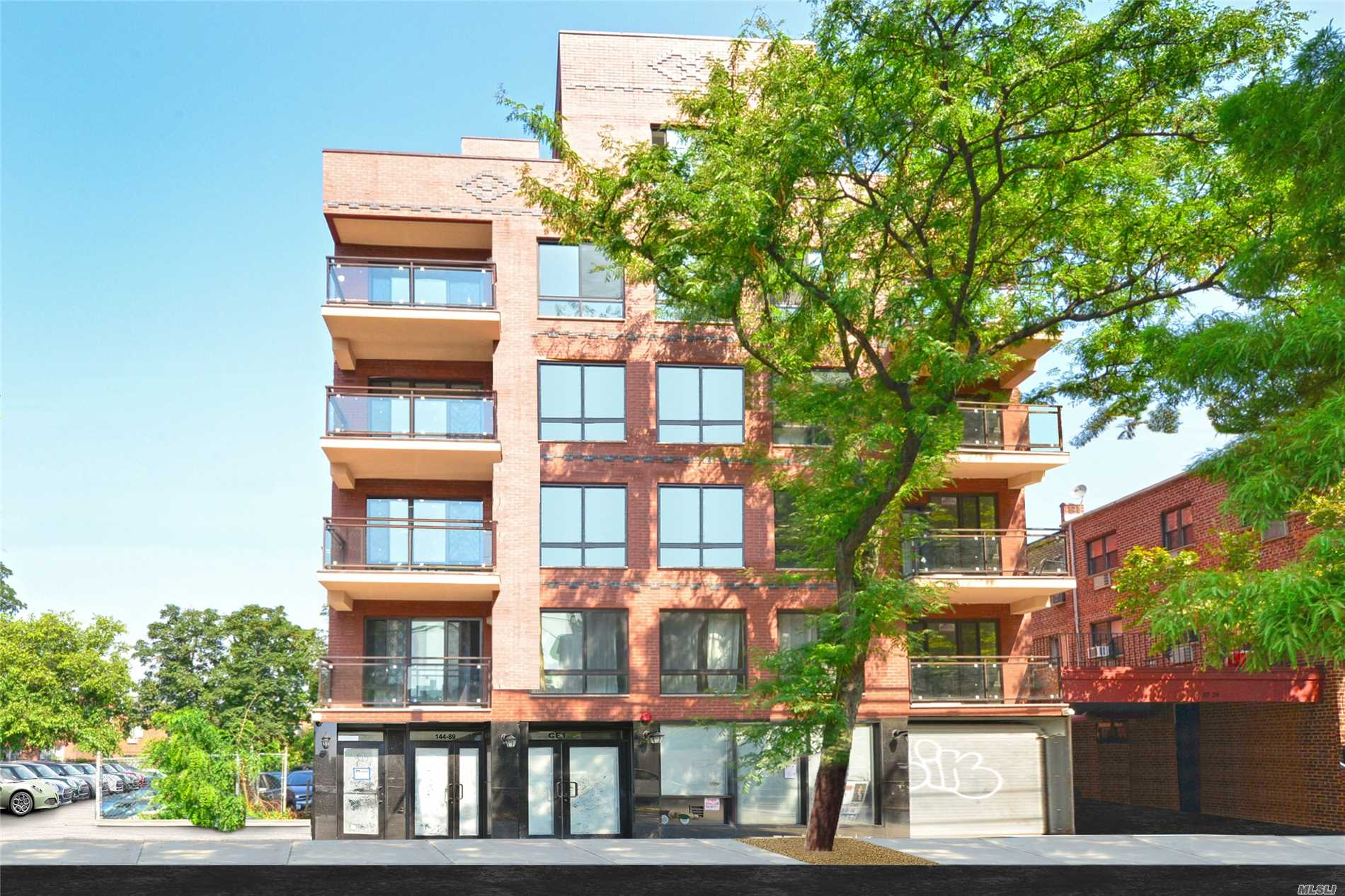 Acquisto commerciale in 144-89 38 Ave, Flushing, NY ,11354