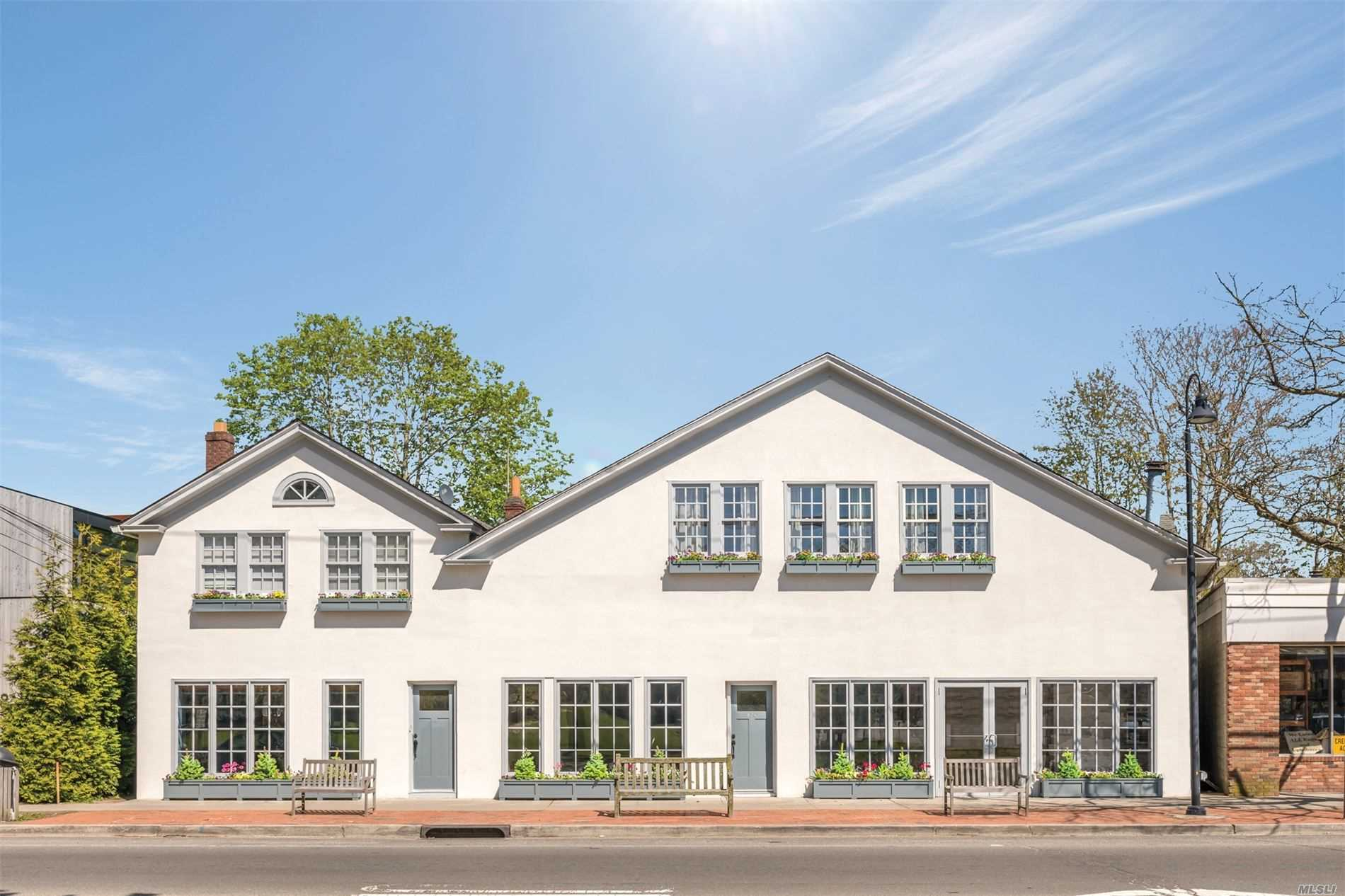 Acquisto commerciale in 130 Main N St, East Hampton, NY ,11937