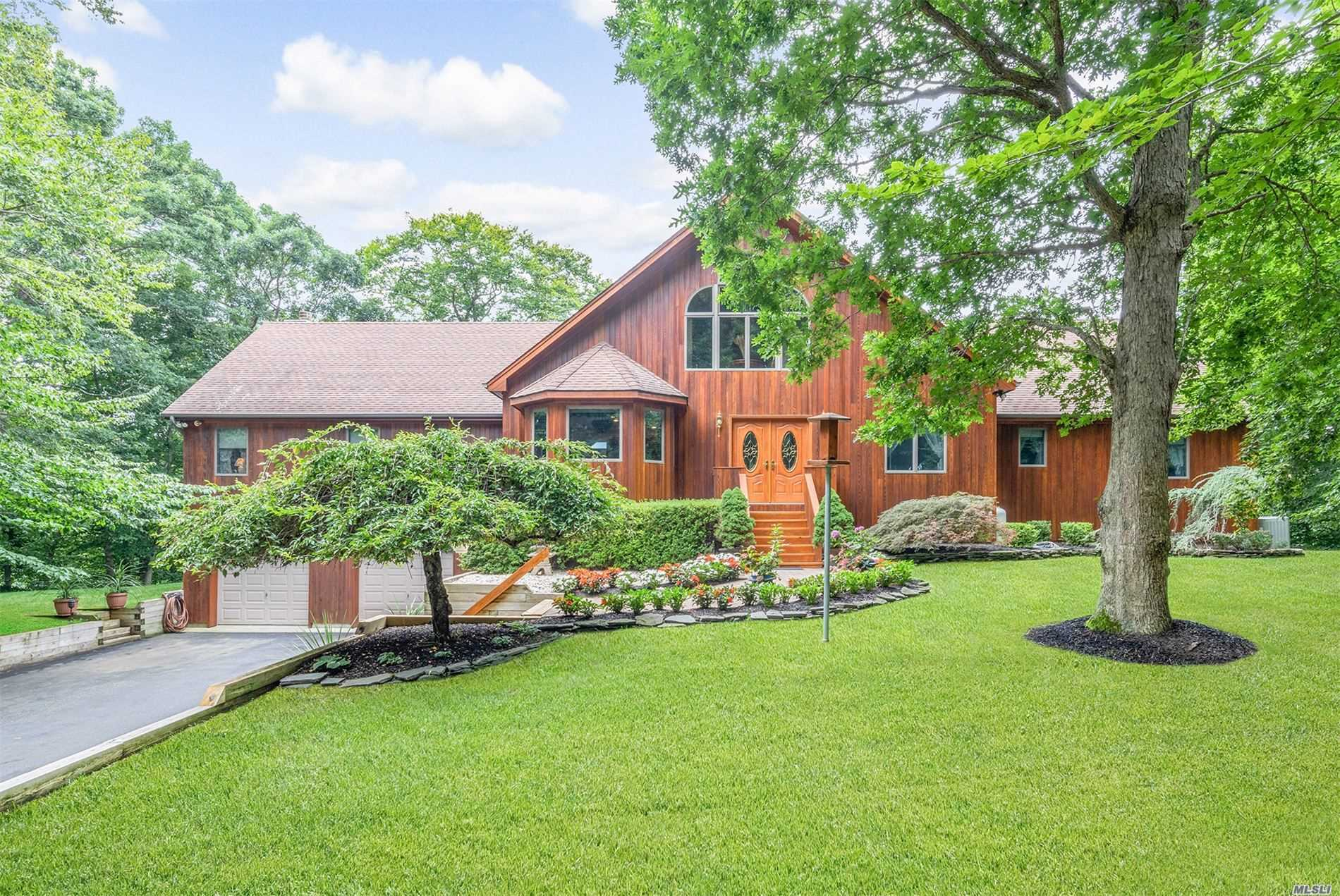 Residenziale in 10 Silver Beech Ln, Baiting Hollow, NY ,11933