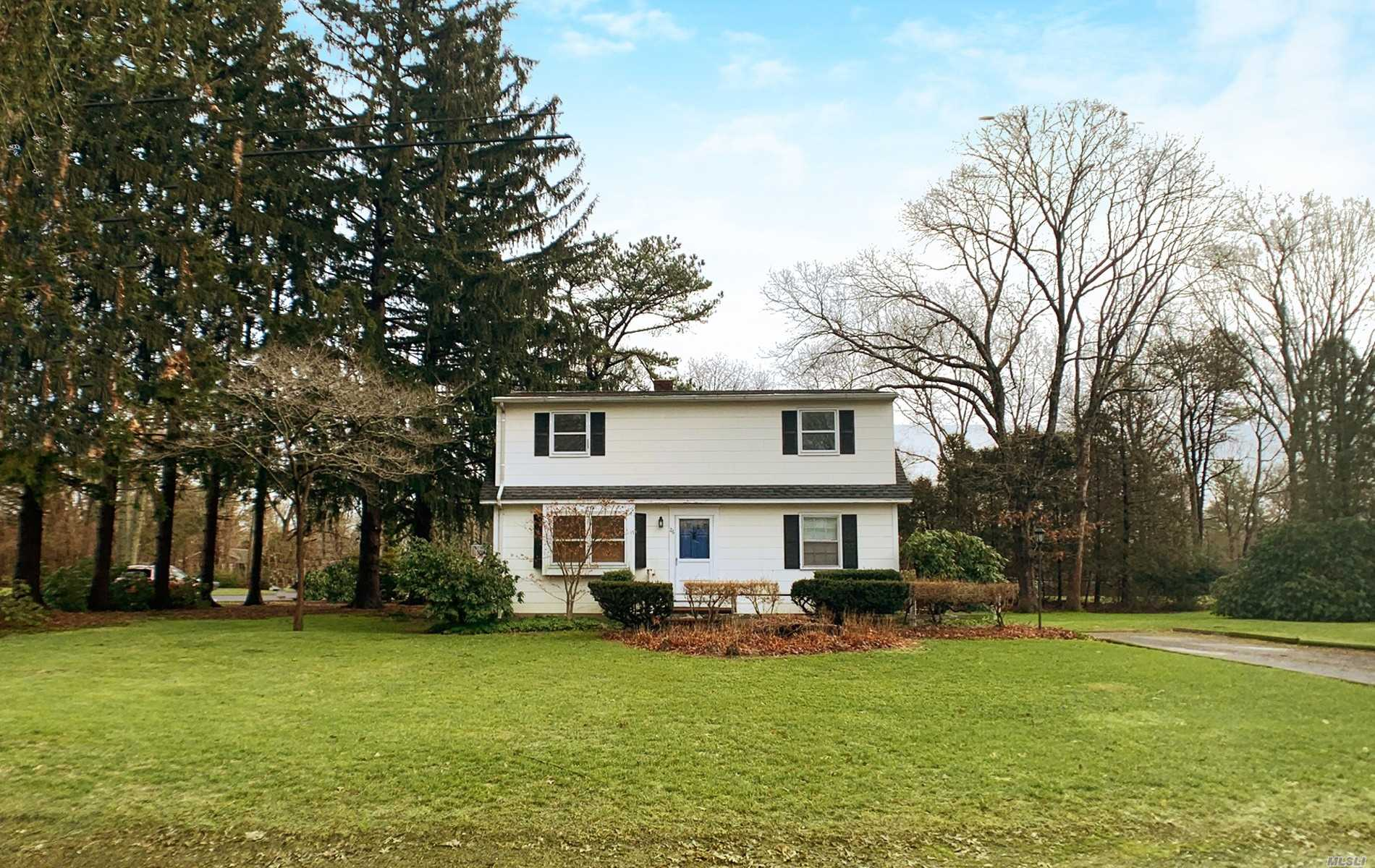 Residenziale in 26 Timber Dr, Calverton, NY ,11933