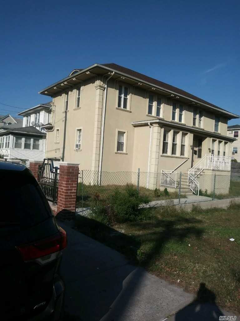 Residenziale in 314 Beach 69 St, Arverne, NY ,11692
