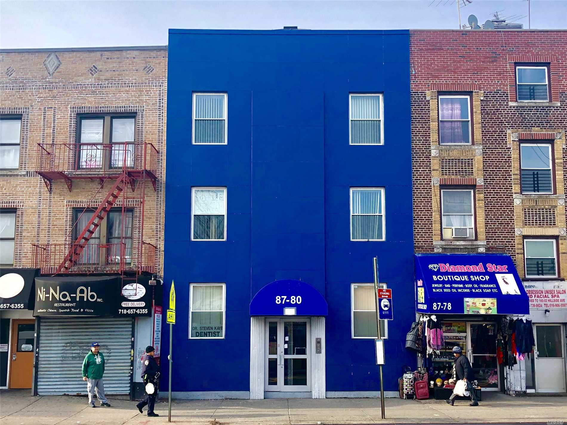 Acquisto commerciale in 87-80 Parsons Blvd, Jamaica, NY ,11432