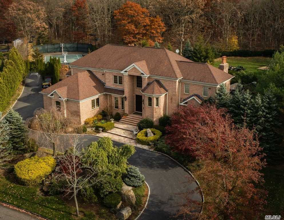 Residenziale in 32 Jagger Ct, Melville, NY ,11747