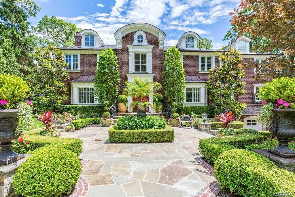 Residenziale in 36 Soundview Cres, Manhasset, NY ,11030