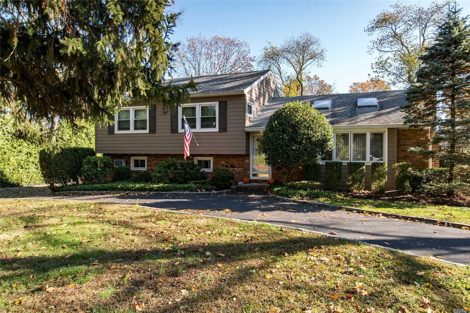 Residenziale in 24 Red Spring Ln, Glen Cove, NY ,11542