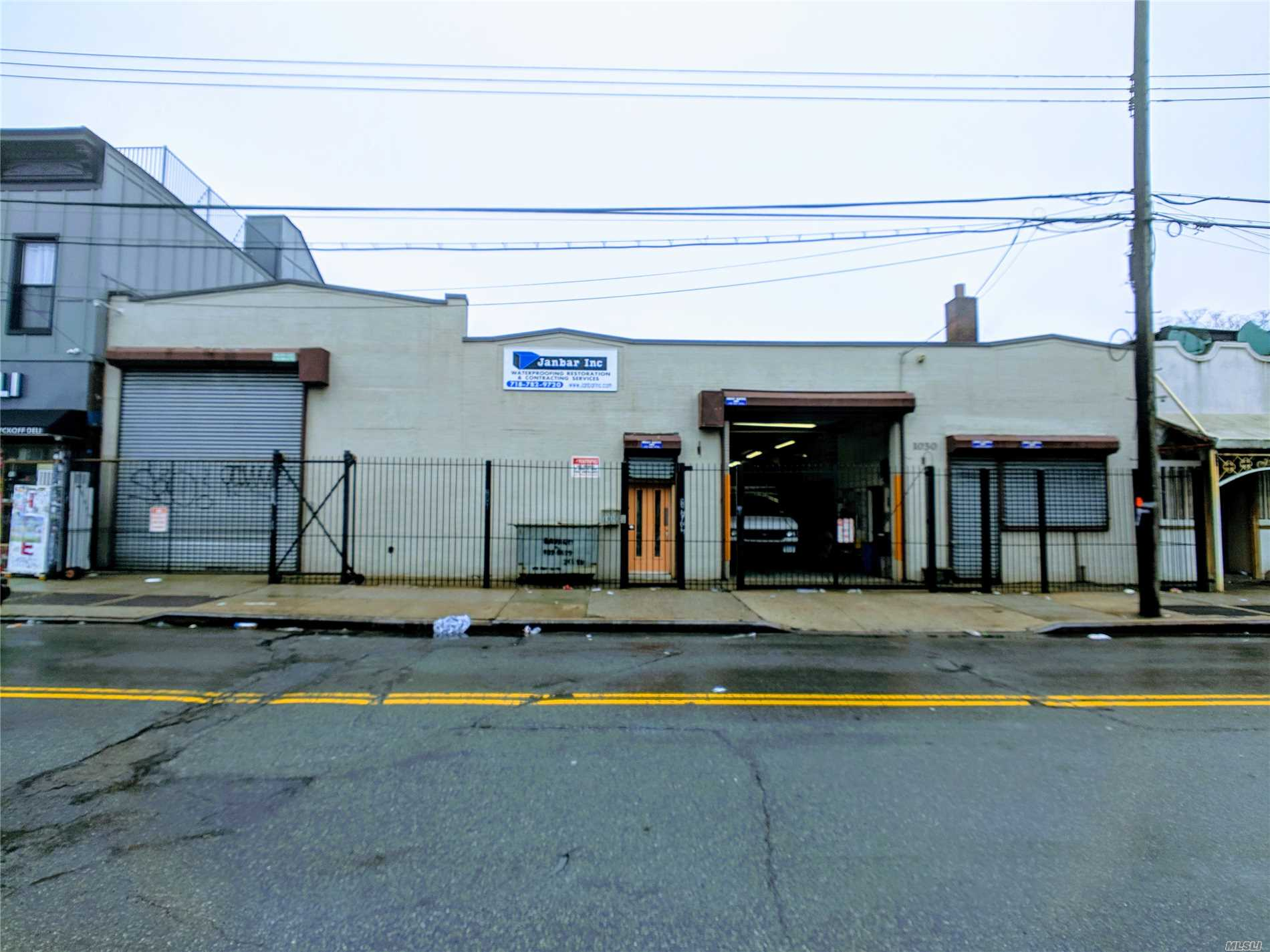Acquisto commerciale in 1030 &1032 Wyckoff Ave, Ridgewood, NY ,11385