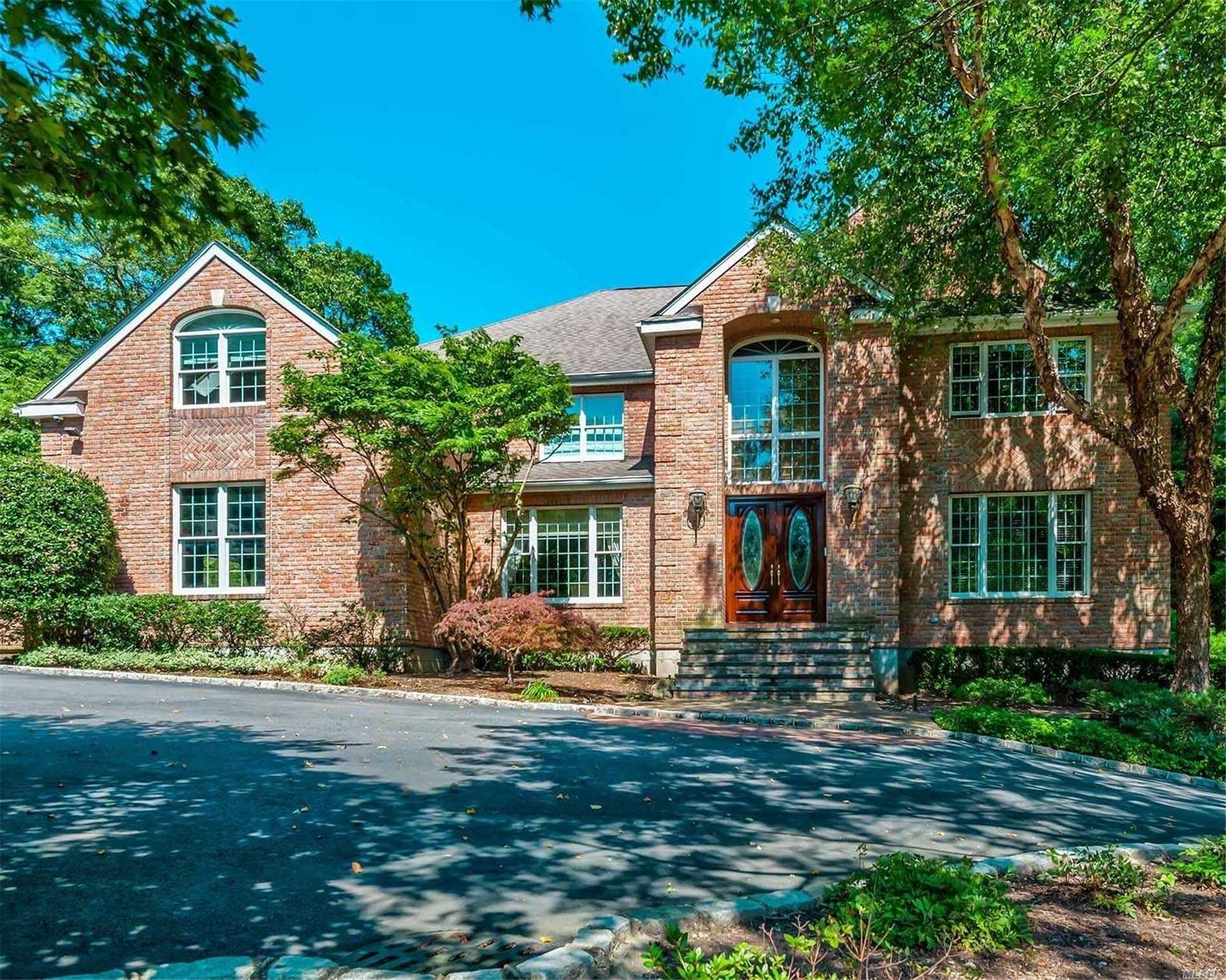 Residenziale in 4 Indian Hill Ct, Dix Hills, NY ,11746