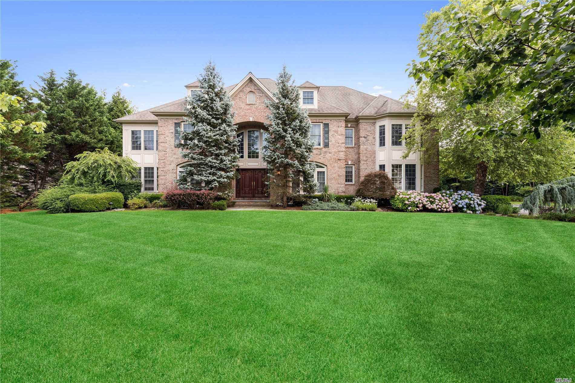 Residenziale in 32 Legends Cir, Melville, NY ,11747