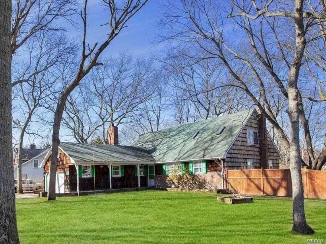 Residenziale in 81 Timber Point Rd, Great River, NY ,11739