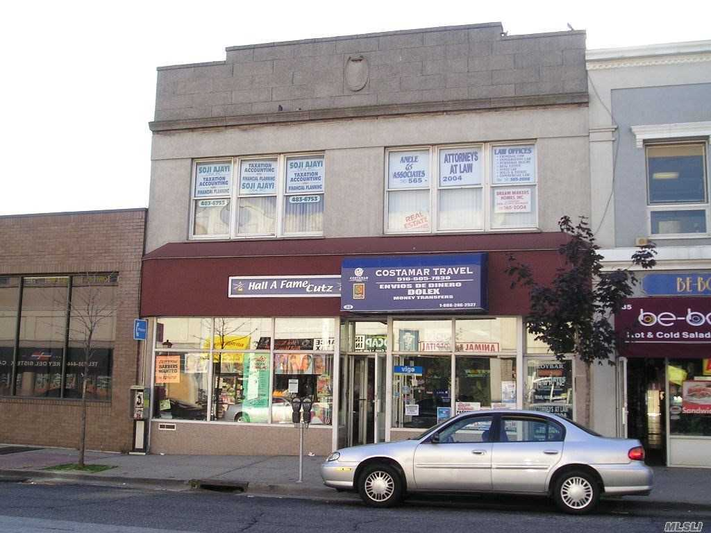 Acquisto commerciale in 33 Main St, Hempstead, NY ,11550