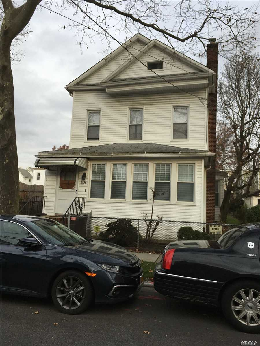 Residenziale in 80-35 88th Ave, Woodhaven, NY ,11421
