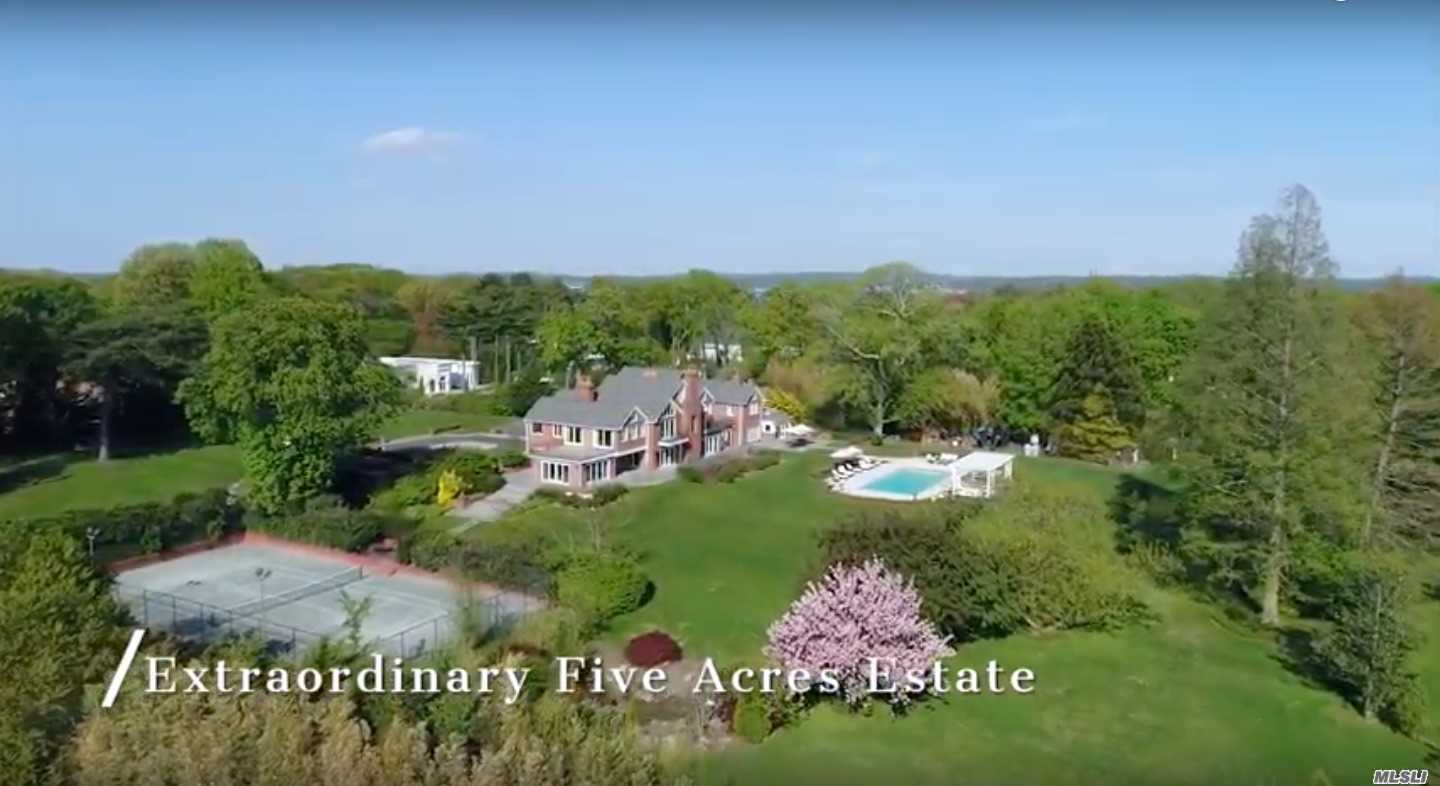 Residenziale in 198 Kings Point Rd, Great Neck, NY ,11024