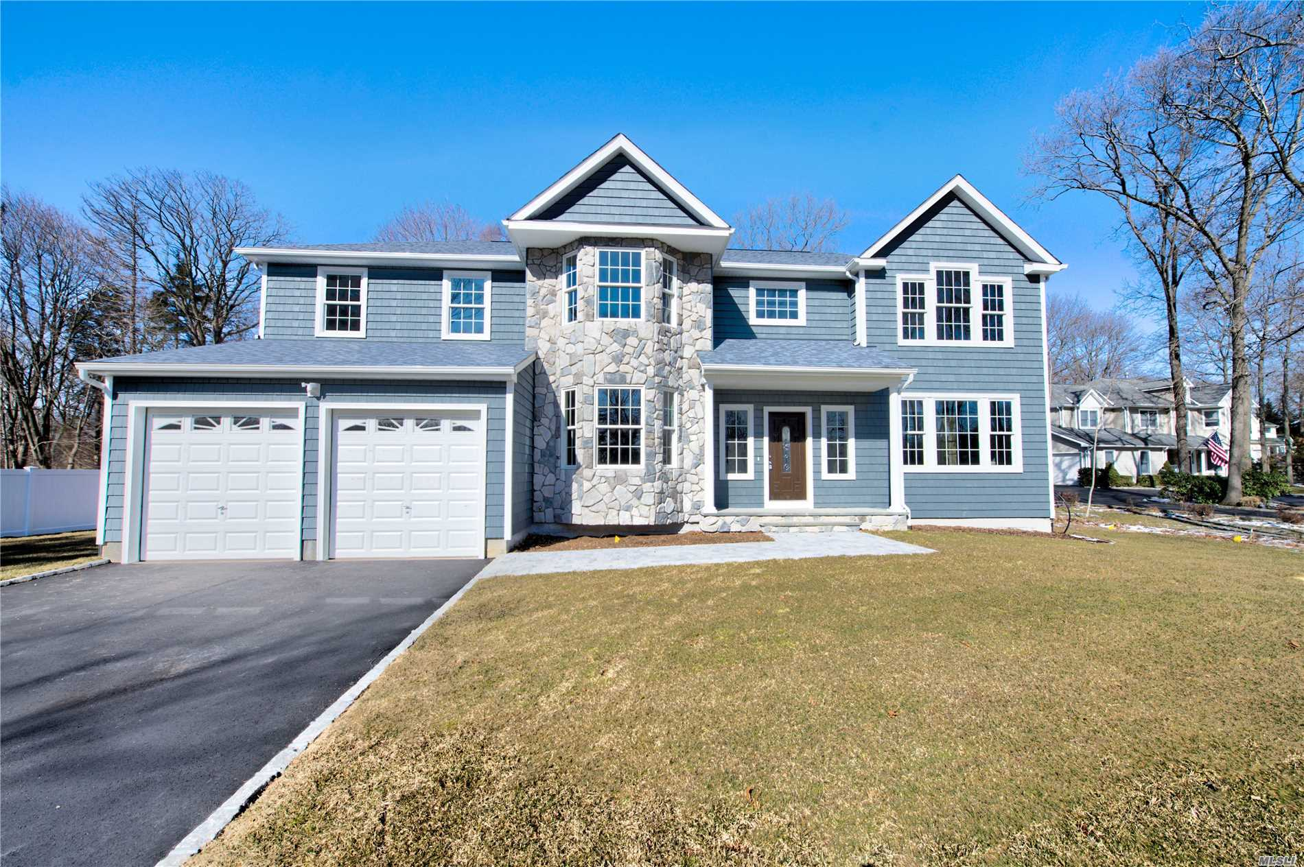 Residenziale in 227-B Old Commack Rd, Kings Park, NY ,11754