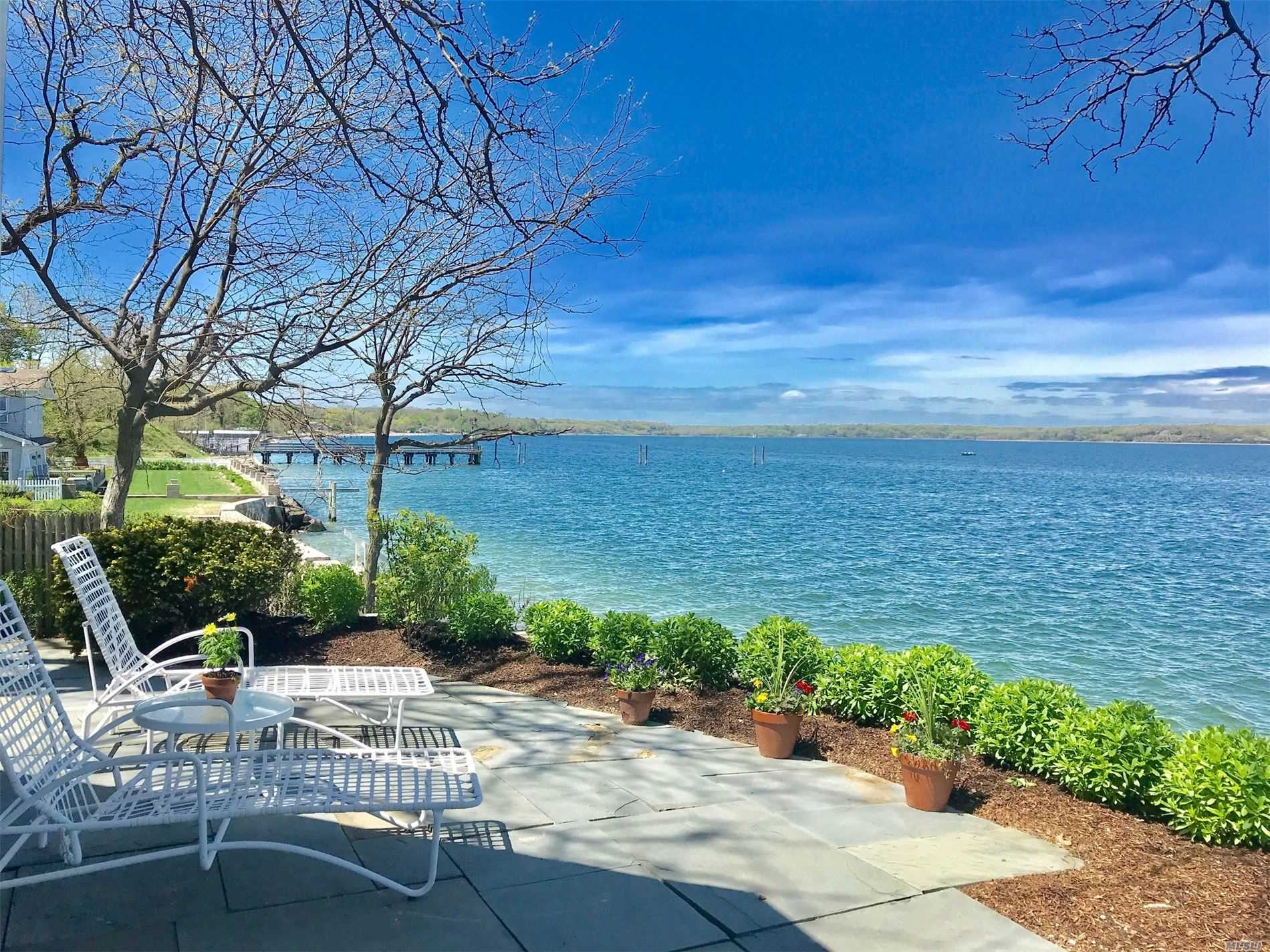 Residenziale in 39 Shore Dr, Huntington Bay, NY ,11743