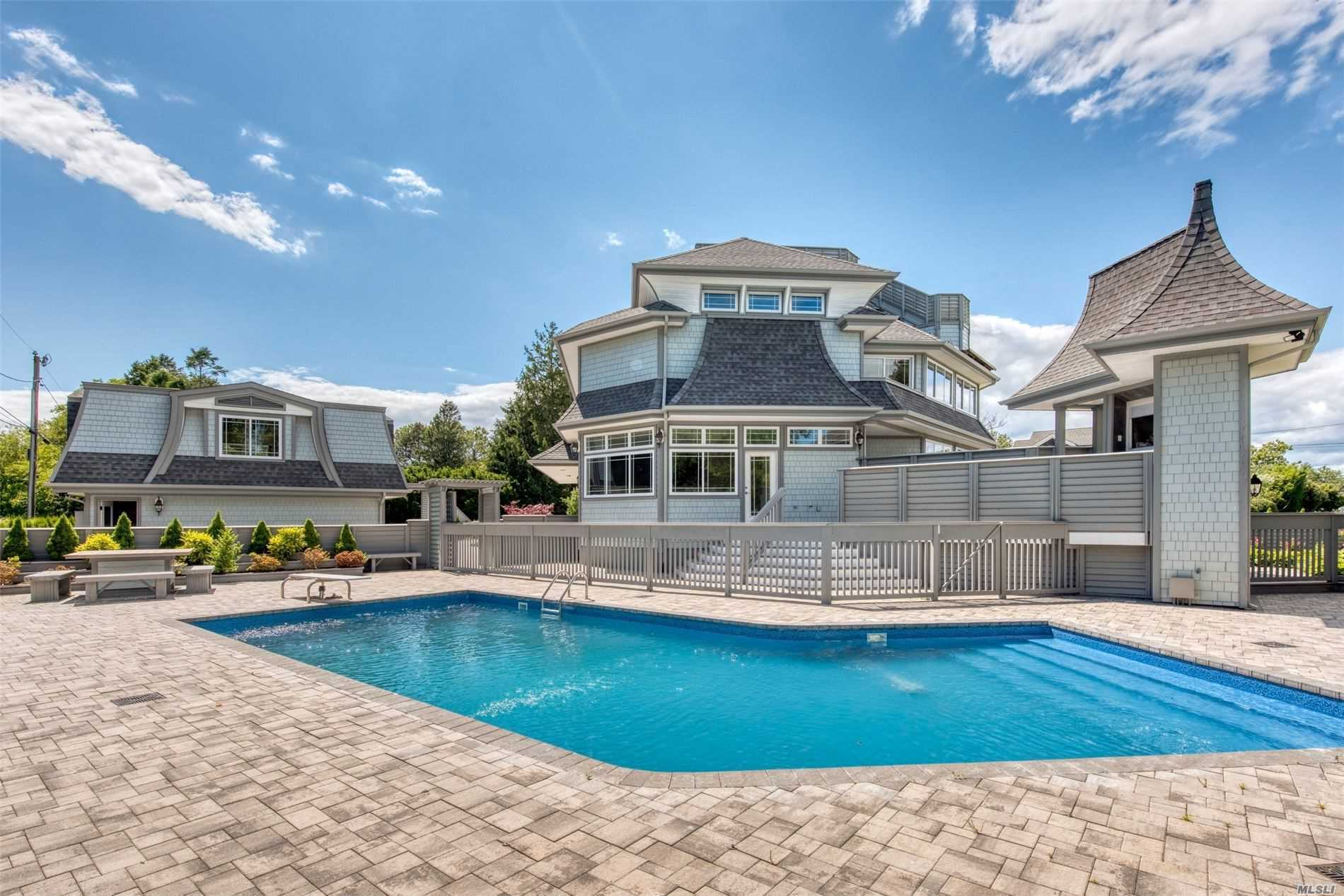 Residenziale in 110 Soundview Rd, Orient, NY ,11957