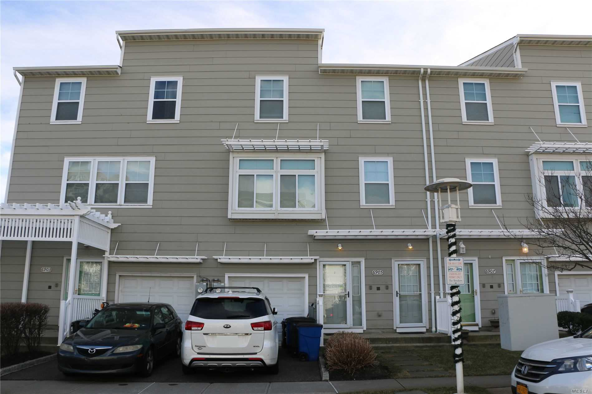 Residenziale in 6905 Coral Reef Way, Arverne, NY ,11692