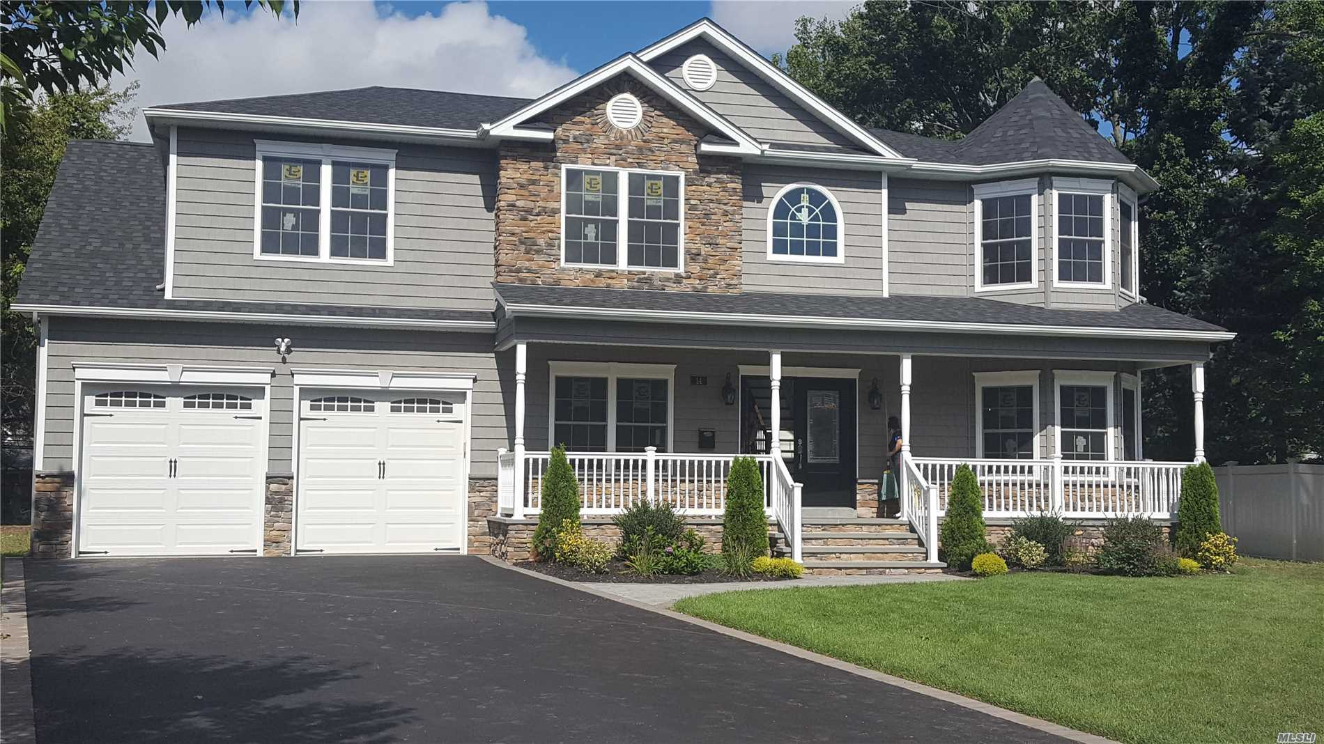 Residenziale in 79 Cherry W Dr, Plainview, NY ,11803