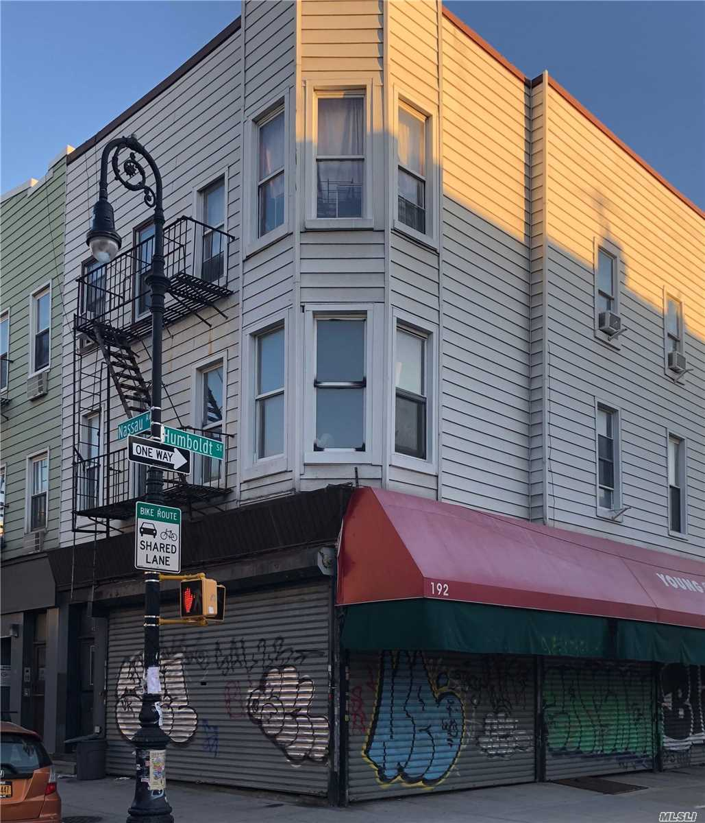 Acquisto commerciale in 192 Nassau Ave, Brooklyn, NY ,11222