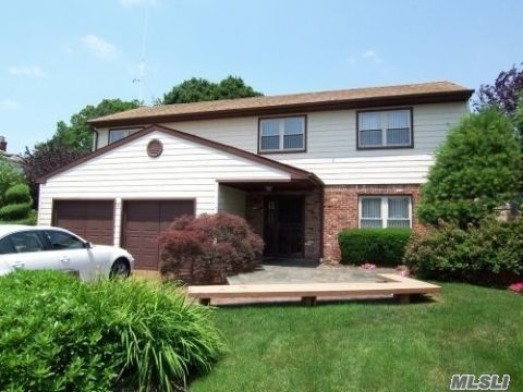 Residenziale in 6 Meredith Ct, Plainview, NY ,11803