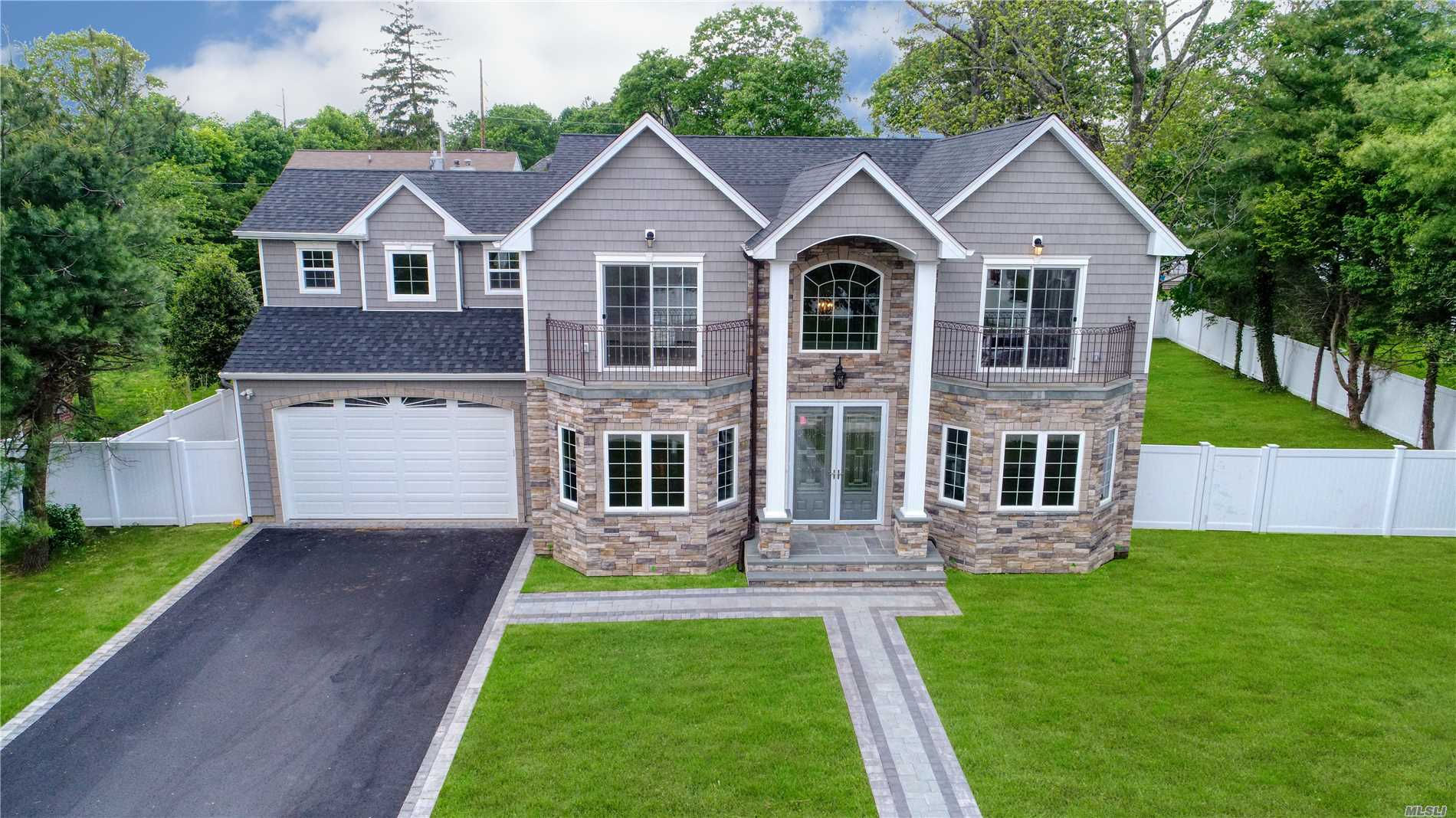 Residenziale in 43 Narcissus Dr, Syosset, NY ,11791