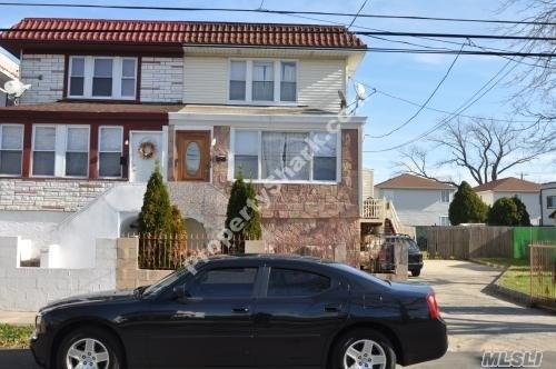 Residenziale in 616 Beach 67th St, Arverne, NY ,11692