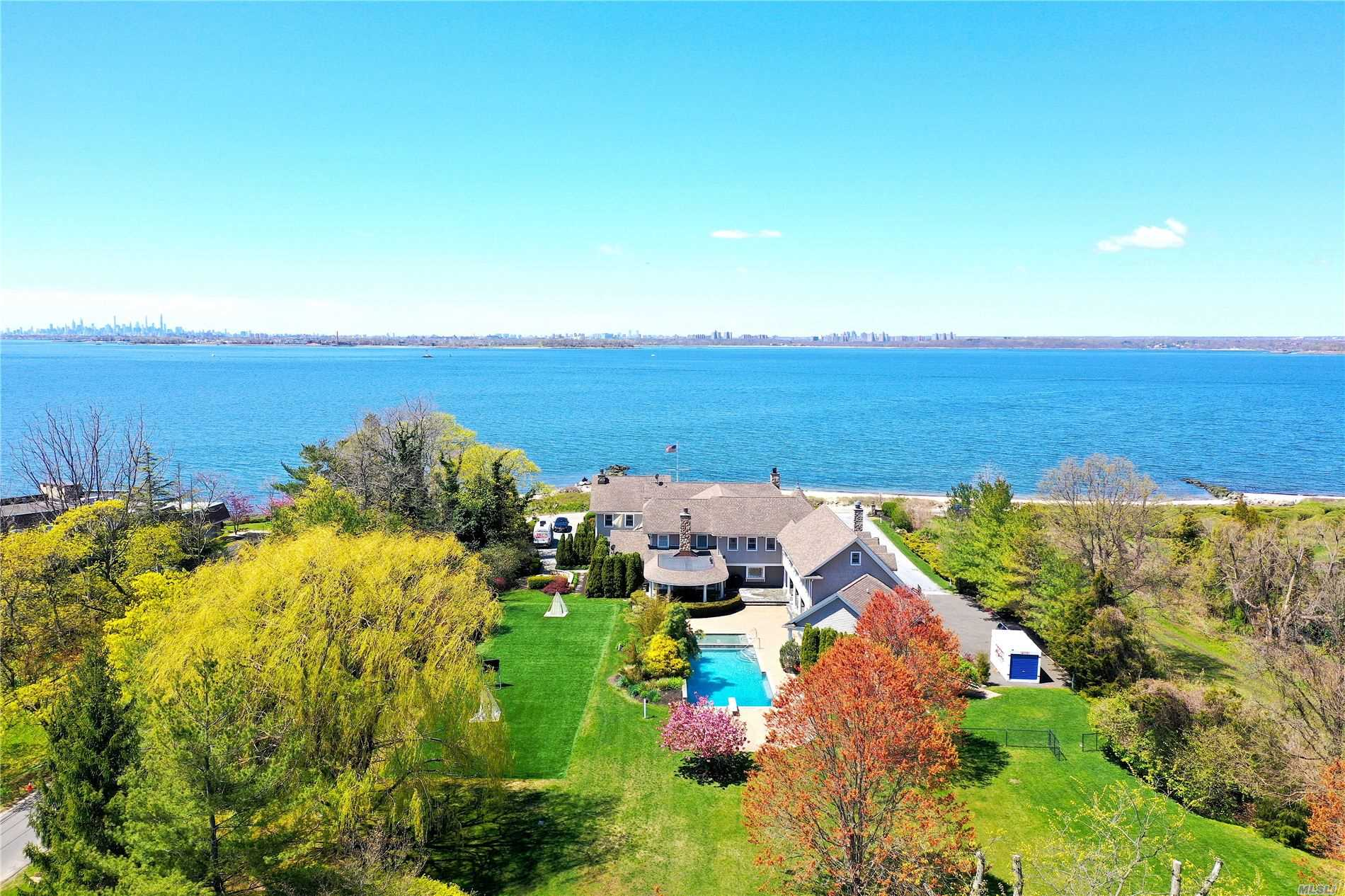 Residenziale in 17 Lighthouse Rd, Sands Point, NY ,11050