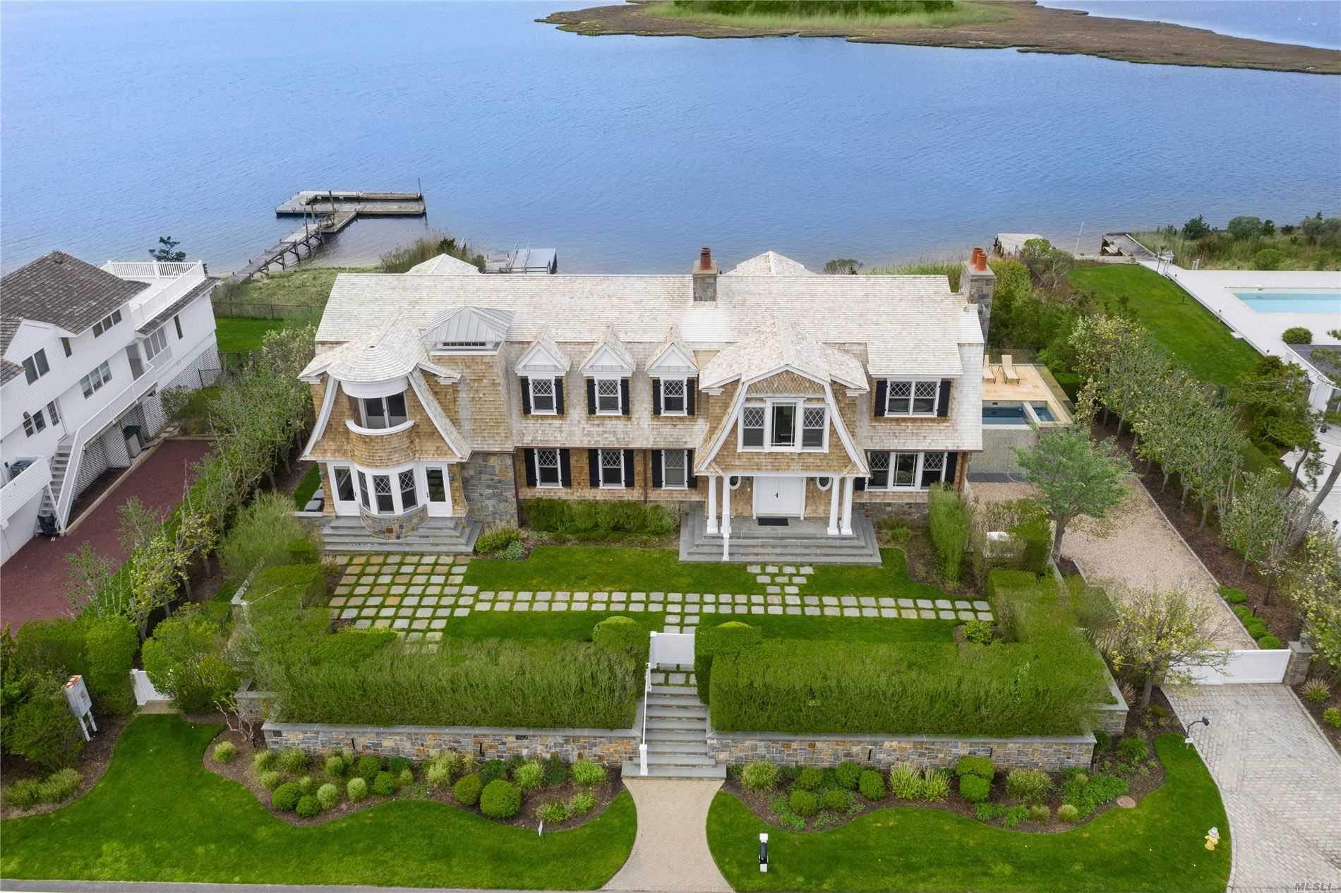 Residenziale in 170 Dune Rd, Westhampton Bch, NY ,11978