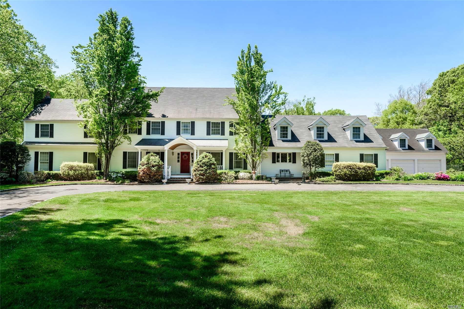Residenziale in 16 Grace Ln, Oyster Bay Cove, NY ,11771