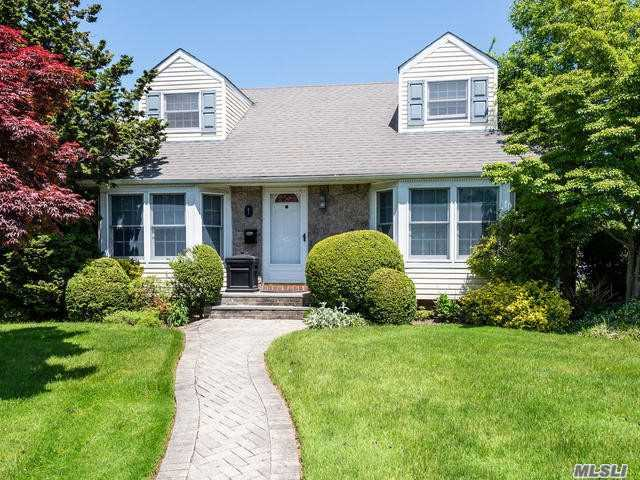 Residenziale in 1 Southview Ct, Carle Place, NY ,11514