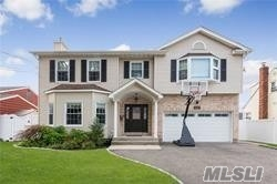 Residenziale in 2800 Janet Ave, N. Bellmore, NY ,11710