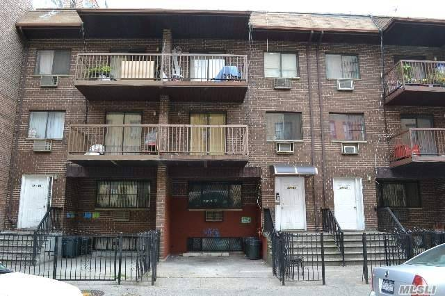 Residenziale in 37-55 88th St, Jackson Heights, NY ,11372