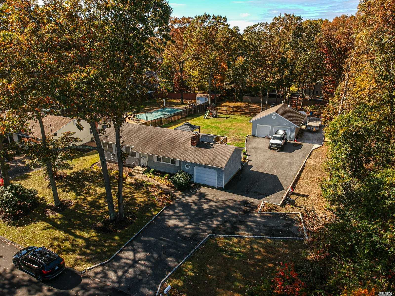 Residenziale in 20 Hillcrest Dr, Smithtown, NY ,11787
