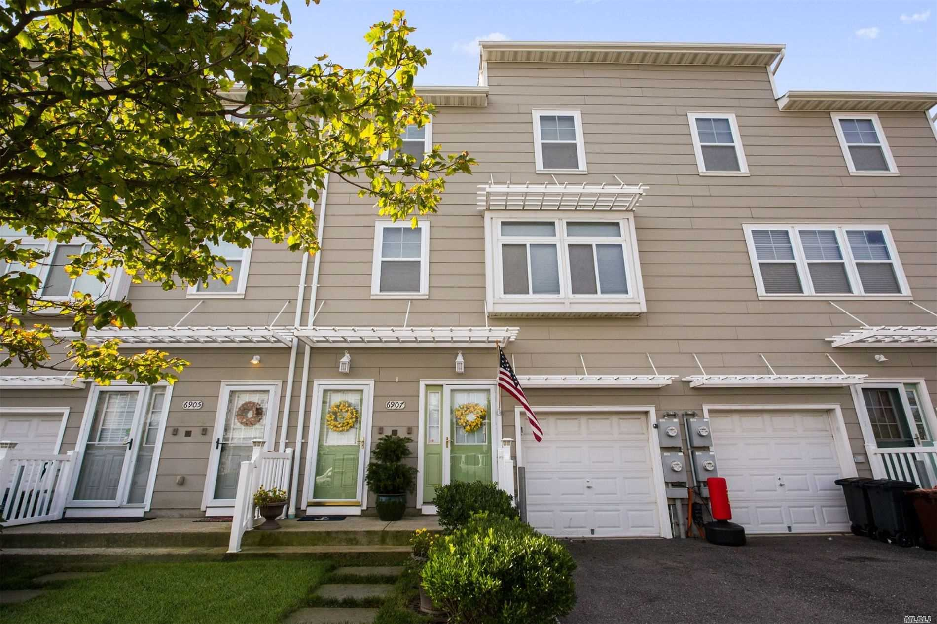 Residenziale in 69-07 Coral Reef Way, Arverne, NY ,11692