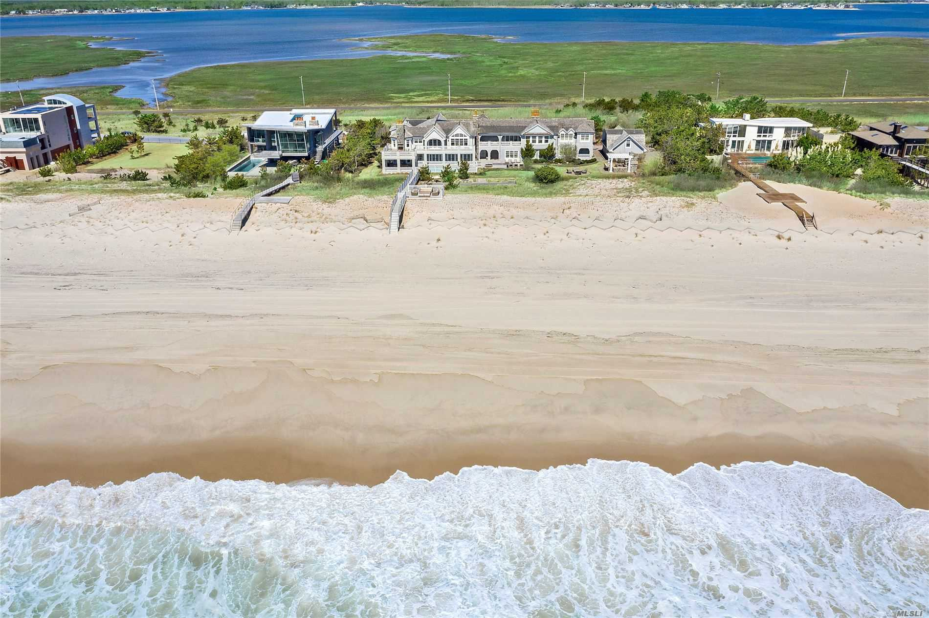 Residenziale in 59 Dune Rd, E. Quogue, NY ,11942
